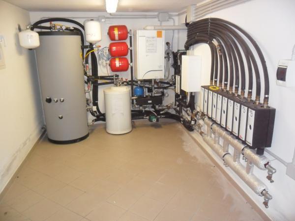 Salmaso impianti riscaldamento impianti con for Impianto di riscaldamento con pompa di calore